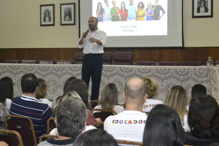 Capacitação dos professores do Vianna Júnior