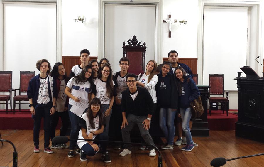 Colégio Vianna Jr no Parlamento Jovem novo