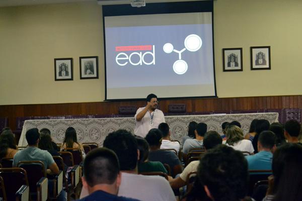 Apresentação do EAD Vianna Júnior.