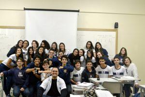 Alunos do Ensino Médio do Colégio Vianna Júnior