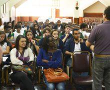 Alunos das cinco escolas do Parlamento Jovem participam de etapa no Vianna Júnior