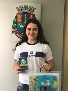 Giovana Pires, aluna do Colégio Vianna Júnior