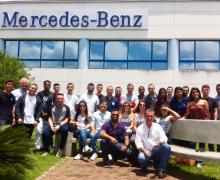 Alunos de RH, Logística e Administração visitaram a Mercedes Benz