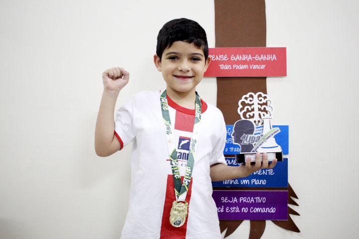 Aluno do Vianna ganha campeonato de xadrez