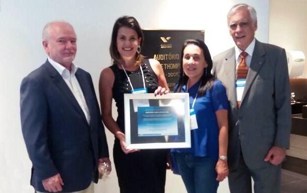Entrega do Prêmio da FGV à conveniada Vianna Júnior