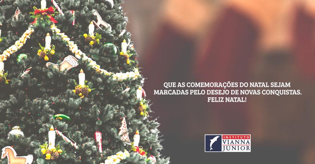 Imagem de natal com texto desejando feliz Natal